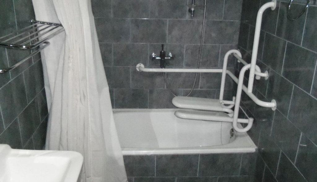 Baño Tina Inclusivo La Posada del Colono